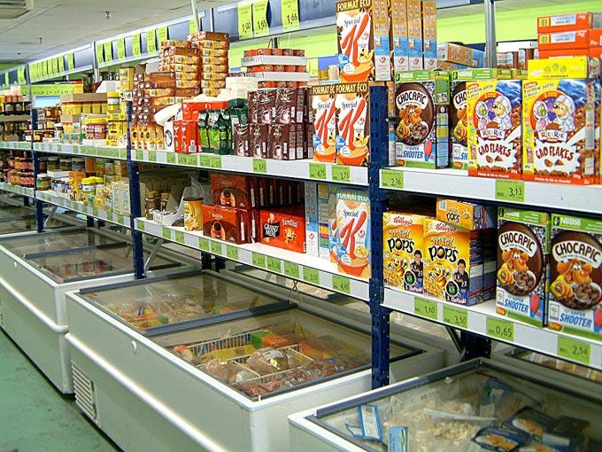 Agencement d'épicerie : rayonnage et étagères